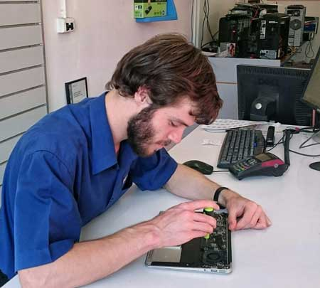PC-Medic-Computer-Repair-Ringwood-Tech-3